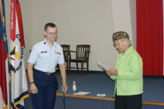 C/MSgt. David Vermillion receives his award from VFW Commander Sue Lamm-Gurley